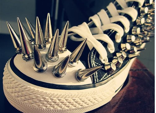 spikes_shoes